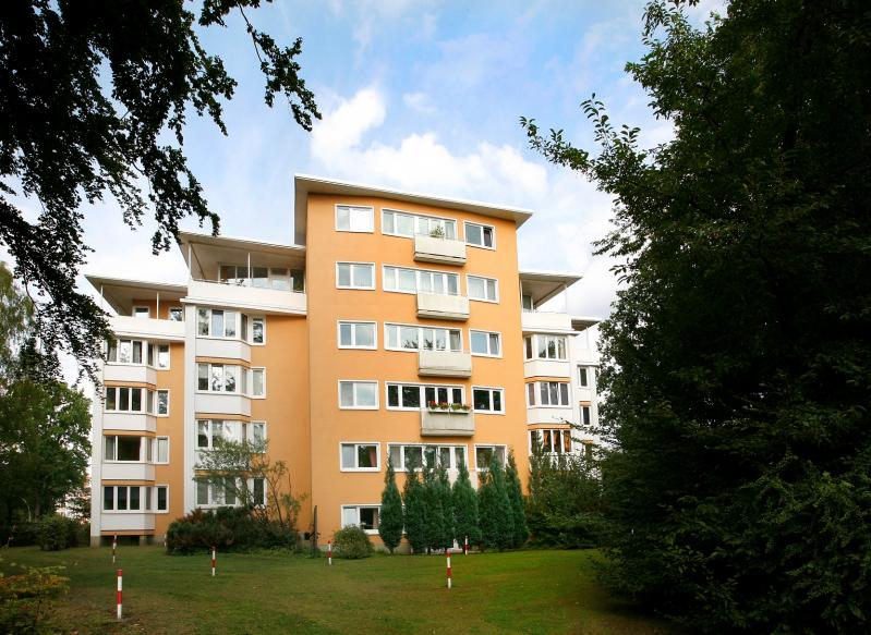 Hohnerkamp Housing Estate, Apartment building at 90 Hohnerkamp, Hamburg.
