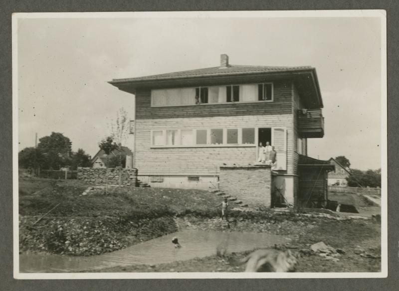 Neufert- Haus in Gelmeroda bei Weimar:  Ostansicht, ca. 1930