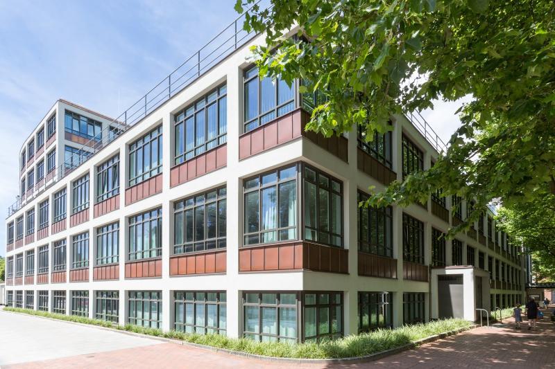 Haus der Jugend (heute:Berufliche Schule Energietechnik Altona): Aktuelle Außenansicht des Gebäudes aus Süden