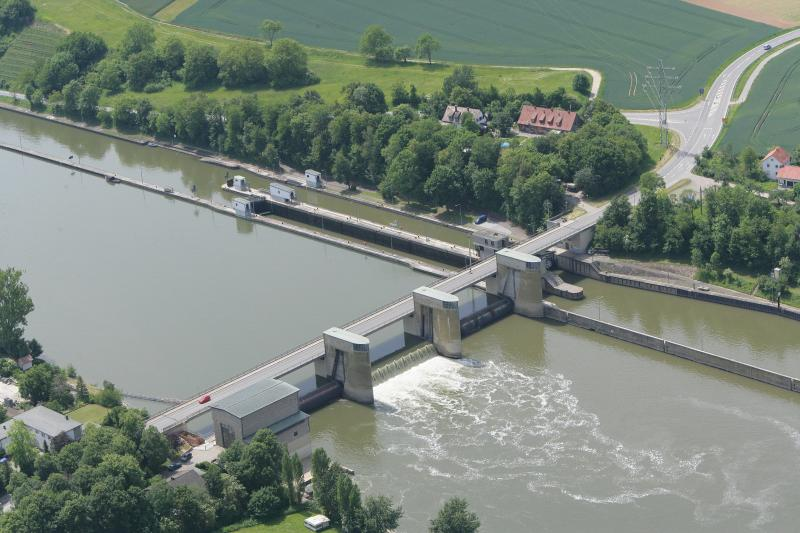 Neckarstaustufe Gundelsheim