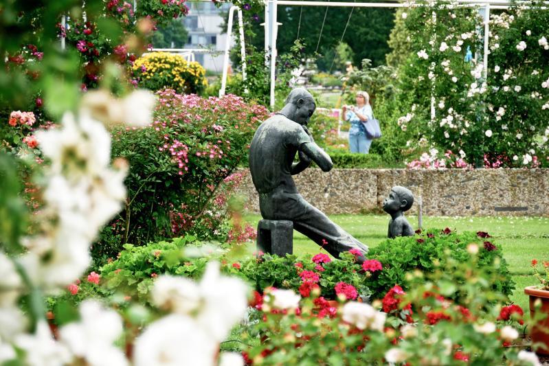 Typische Skulpturen und Stellagen im egapark Erfurt
