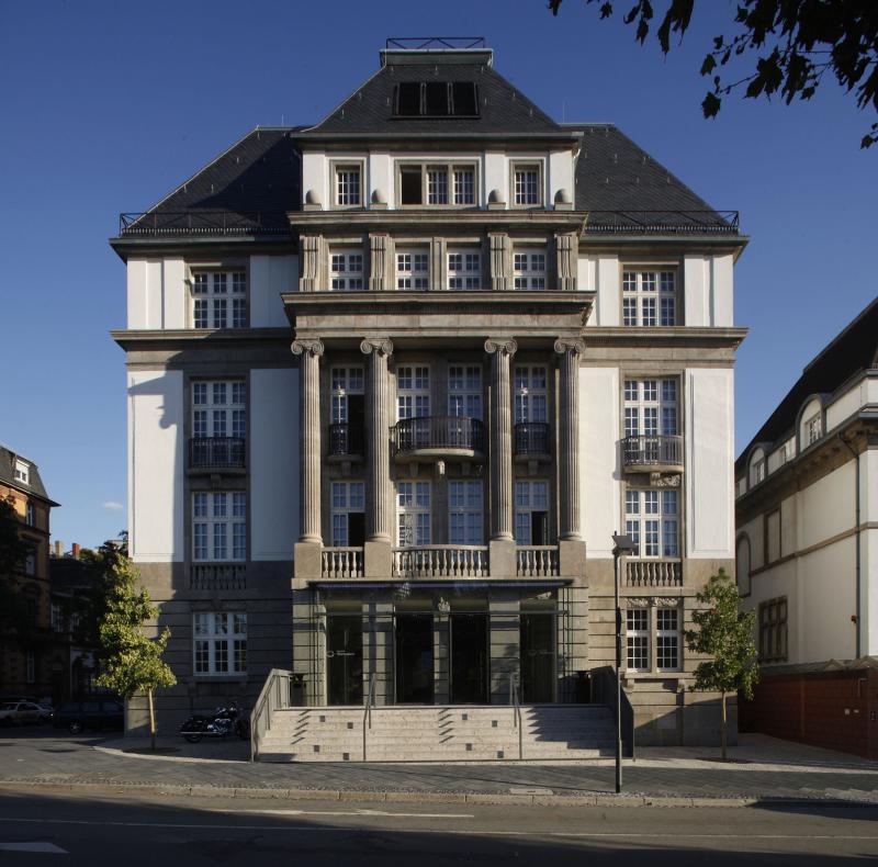 Deutsches Filminstitut & Filmmuseum, Schaumainkai 41, 60596 Frankfurt am Main: Fassade bei Tag