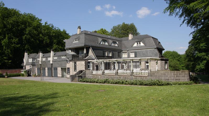 """Osthaus' Wohnhaus """"Hohenhof"""" erbaut 1906-08 von Henry van de Velde"""