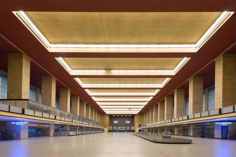 Airport Tempelhof, Berlin: main hall