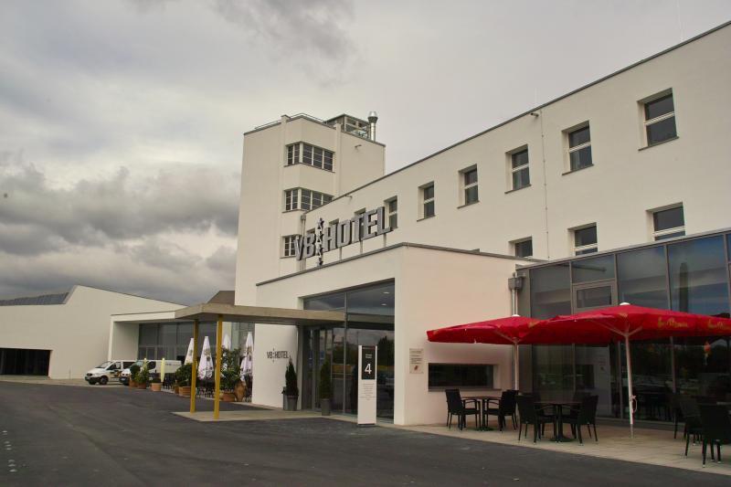 Flughafen Böblingen: Empfangsgebäude