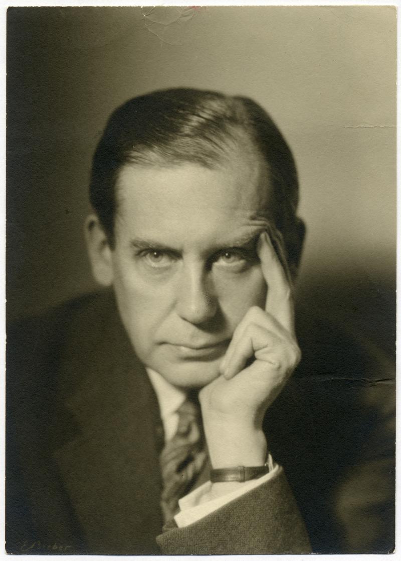 Portrait of Walter Gropius, Photo: E. Bieber, around 1928.