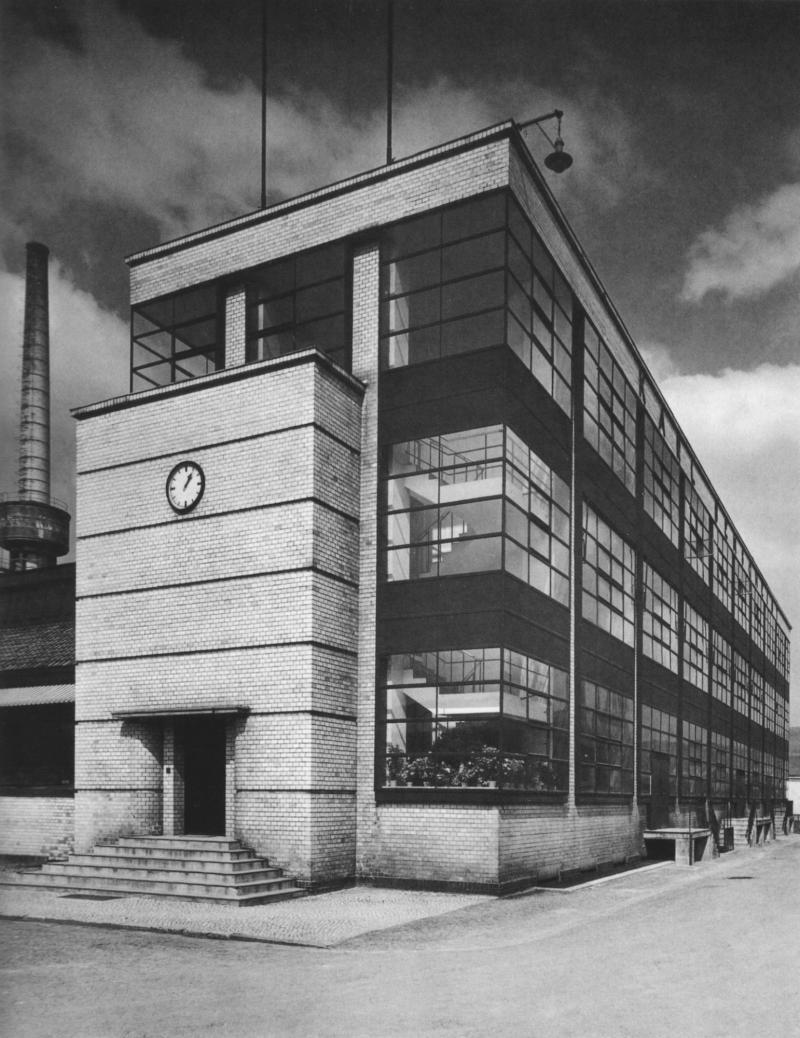 Fagus-Werk, Alfeld an der Leine, Architektur: Walter Gropius und Adolf Meyer, Foto: Hans Wagner, ab 1911.