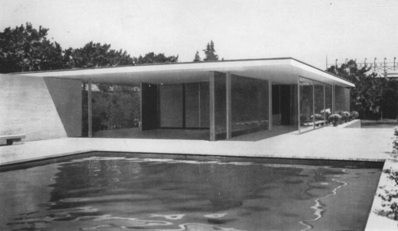 Barcelona Pavilion, Architecture: Ludwig Mies van der Rohe, Photo: Berliner Bildbericht, 1929.