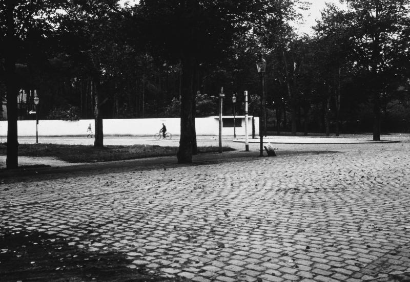 Drinking Hall, Dessau, Architecture: Ludwig Mies van der Rohe, 1932.