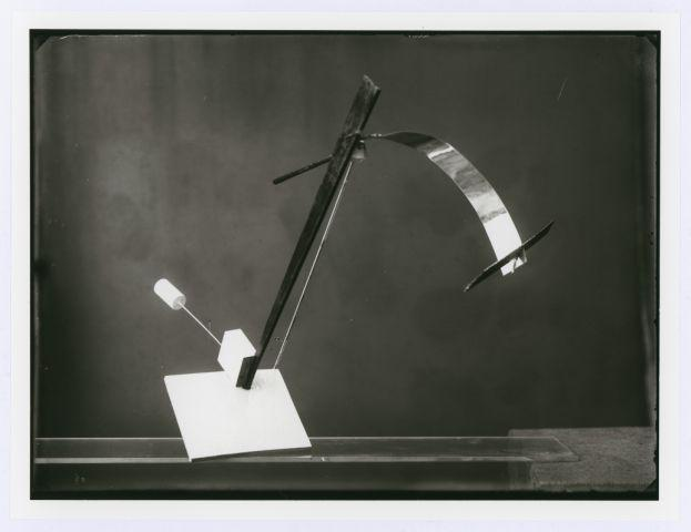Study in Balance, from László Moholy-Nagy's Preliminary Course, author: Marianne Brandt, photo: Lucia Moholy, 1923.