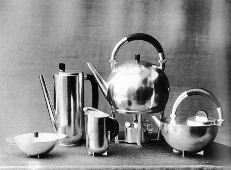 Coffee and Tea Set, author: Marianne Brandt, 1924, photo: Lucia Moholy