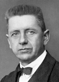 Portrait of Josef Hartwig, Photo: Hermann Eckner, 1921–25.