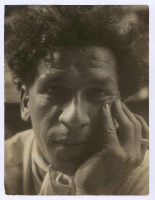 Portrait of Xanti Schawinsky at the Bauhaus in Dessau, Photo: Josef Albers, around 1929.