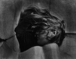 Telly. Portrait of a Girl, Photo: Walter Peterhans, around 1928–1932.