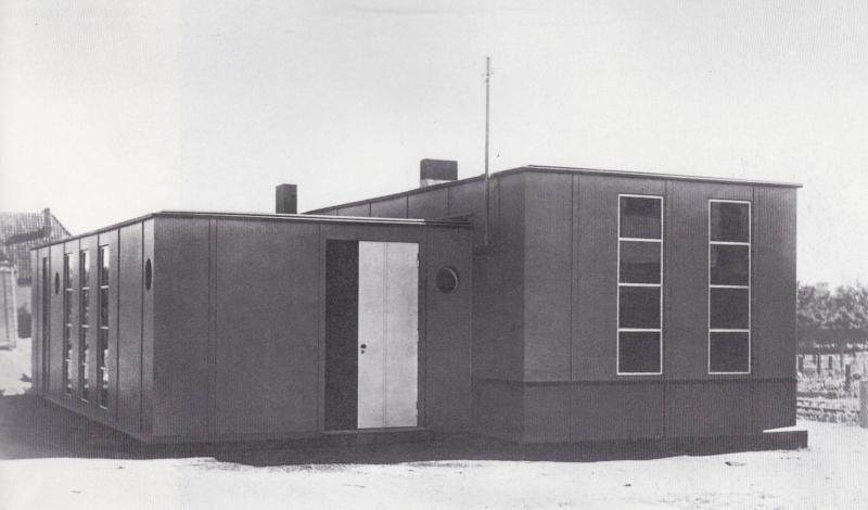 Metal Prototype House, Dessau-Törten, Architecture: Georg Muche and Richard Paulick, Photo: Lucia Moholy, 1926.