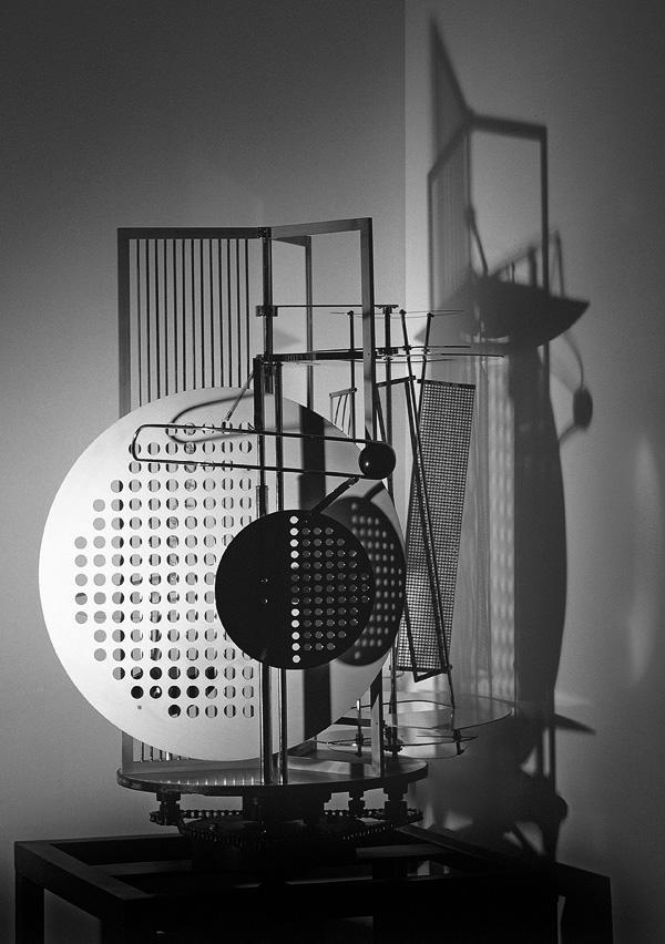 László Moholy-Nagy, Licht-Raum-Modulator, 1922–30, Replik 1970.