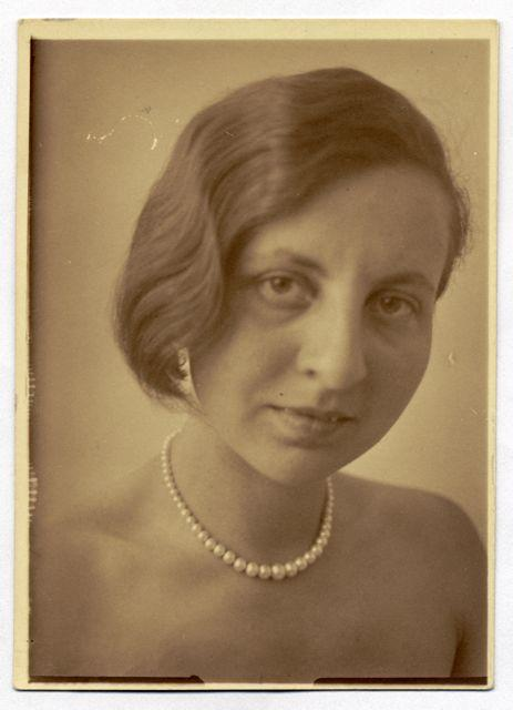 Selbstporträt, Foto: Gertrud Arndt, 1930.