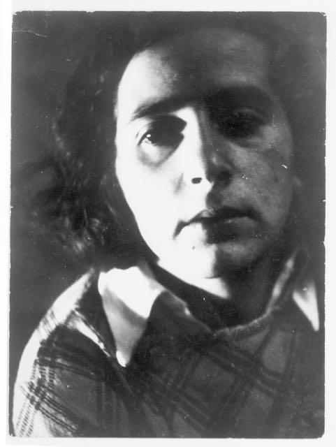 Porträt Irena Blühová, Bratislava, Foto: Hilde Hubbuch, 1932, Reproduktion.