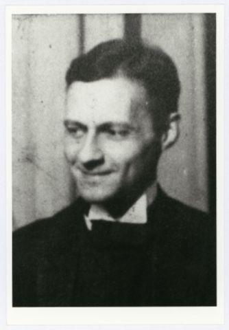 Porträt Ludwig Hirschfeld-Mack (Detail aus einem Foto), Foto: Carl Schlemmer oder Sandor Bortnyik, 1923, Reproduktion.