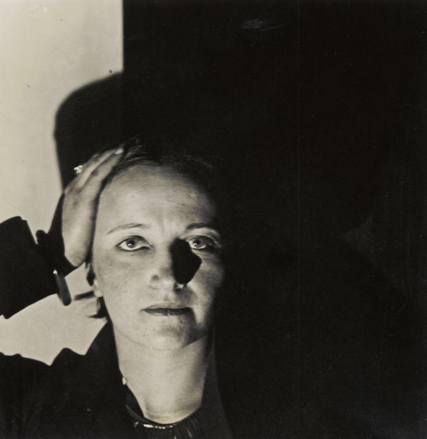 Porträt Irene Bayer, Foto: Grit Kallin-Fischer, 1927-28.
