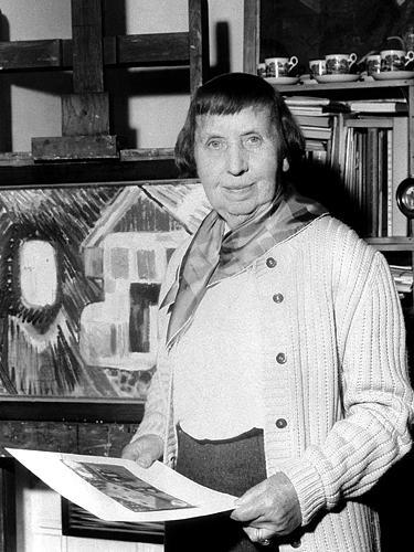Ida Kerkoviusaus in ihrem Stuttgarter Atelier, Foto: Erich Braunsperger, 1959, dpa-Bildarchiv.