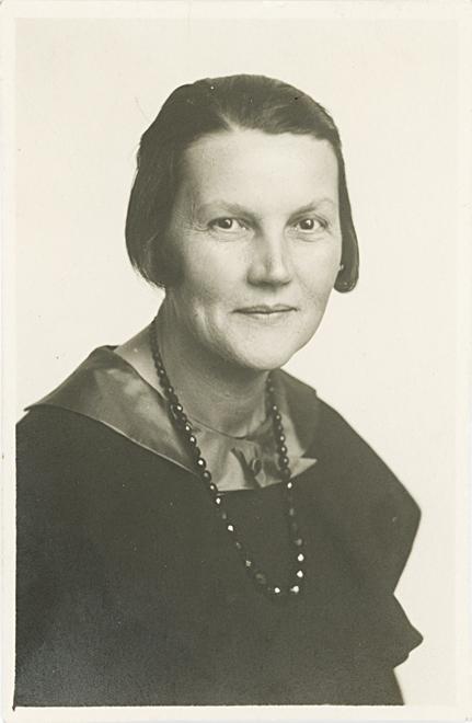 Porträt Magda Langenstrass-Uhlig, Foto: unbekannt, um 1933.