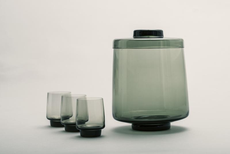 """Bowlensatz """"Romanze"""", Entwurf: Friedrich Bundtzen, 1962; Hersteller: VEB Oberlausitzer Glaswerke Weißwasser."""